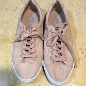 ASOS peach ladies canvas shoes 8.5 lace up guc